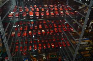 Коллекция игрушечных автомобилей