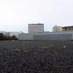 Поле, засыпанное черным камнем, - место, где располагалось Гестапо. Сейчас здесь находится музей террора.
