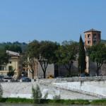 Север Вероны находится на другом берегу реки Адидже
