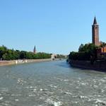 Река Адидже, бурная, широкая и быстрая.