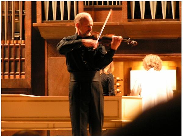 Евгения Кривицкая (орган) и Алексей Бруни (скрипка)