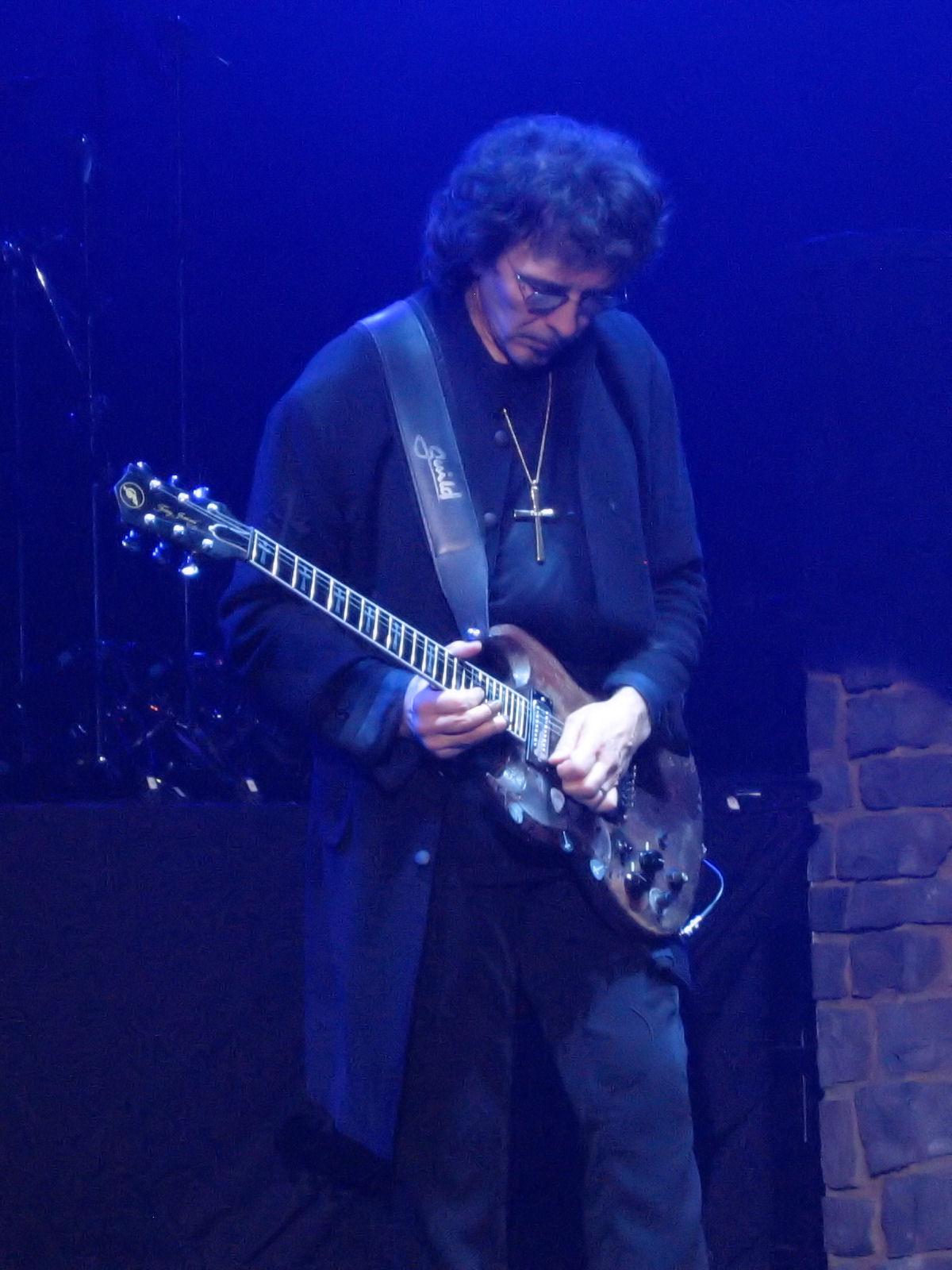Тони Айомми (Tony Iommi)