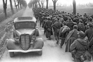 Марк Марков-Гринберг. Пленные под Бобруйском. Отвоевались. 1944