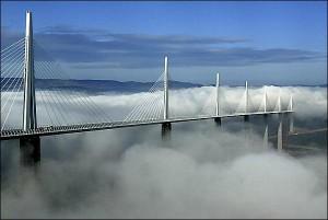 Мост Милло во Франции