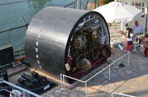 Подводная лодка в разрезе. Торпедный отсек.